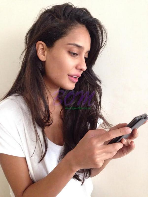 Lisa Haydon gorgeous picture in midst of the Filmfare chat