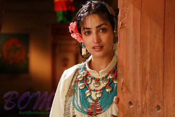Lovely Yami Gautam cute first look in Sanam Re movie