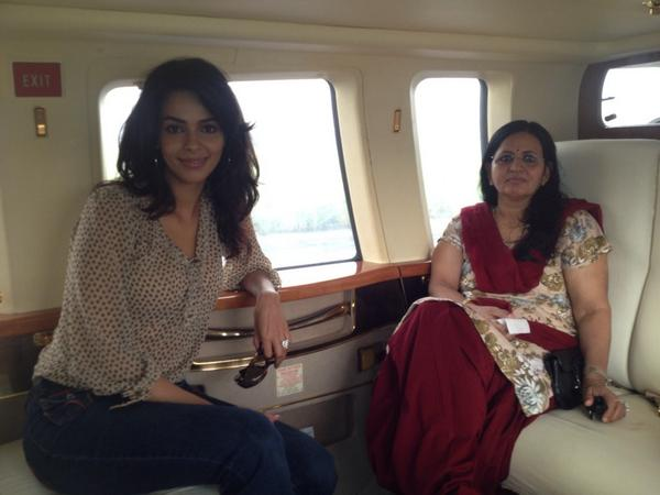 Mallika Sherawat with her mother