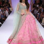 Nargis Fakhri looks ethereal as a show sstopper when walking ramp for Anushree Reddy.