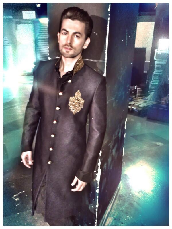 Neil Nitin Mukesh Walked for Vikram Phadnis at the NSCI CLUB. For a very Noble cause. To support the Cancer patients.