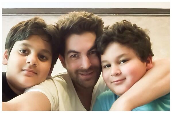 Neil Nitin Mukesh cute picture with handsome boys