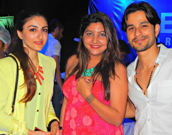 New Picture of Soha Ali Khan and Kunal Khemu!