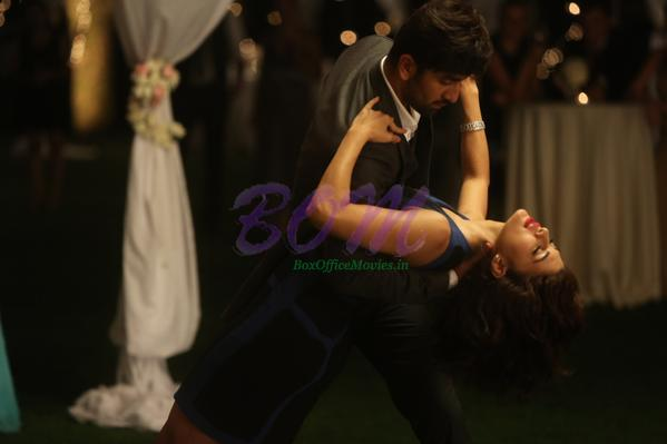 Photo of Jacqueline Fernandez with Ranbir Kapoor in Roy Movie