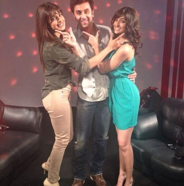 Priyanka Chopra, Ranbir Kapoor and Illeana D'cruz cheering together