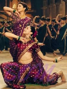 Priyanka Chopra and Deepika Padukone's first look in another Dola Re style song of Bajirao Mastani