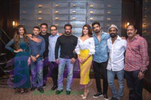 RACE 3 movie leading starcasts with director and team