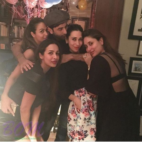 Ranbir kapoor with sister Karishma Kapoor, Kareena Kapoor and friends