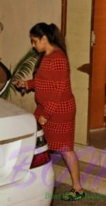 Rani Mukerji flaunting her baby bump snapped outside her gynaecologist's chamber in Khar posted by her fan club