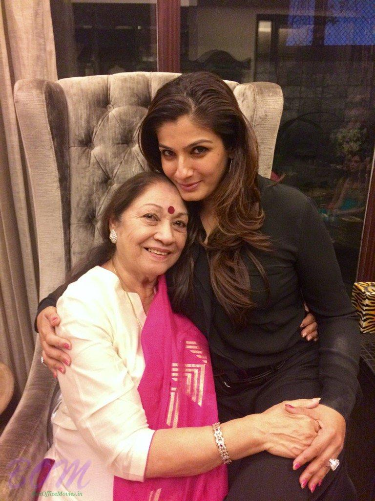 Raveena Tandon with her mother on Mothers Day 2017