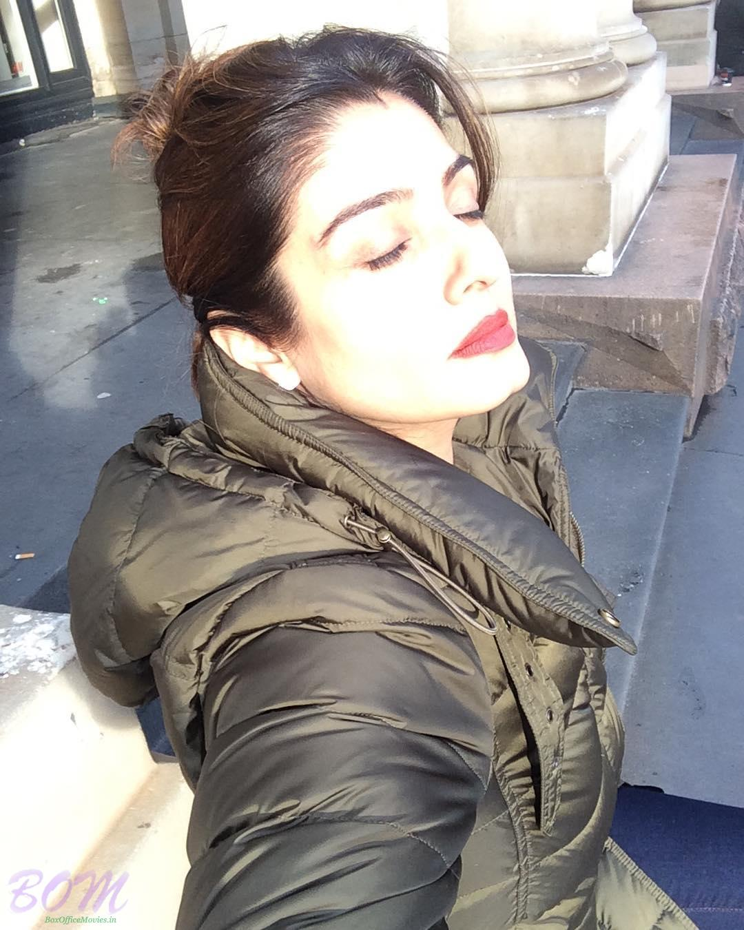 Raveena Tandon could not stop herself from taking this picture with natural light on her face.