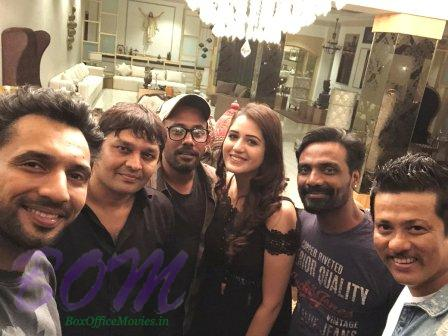 Remo D souza with Dharmesh, Punit, Isha on Nawabzaade wrap up