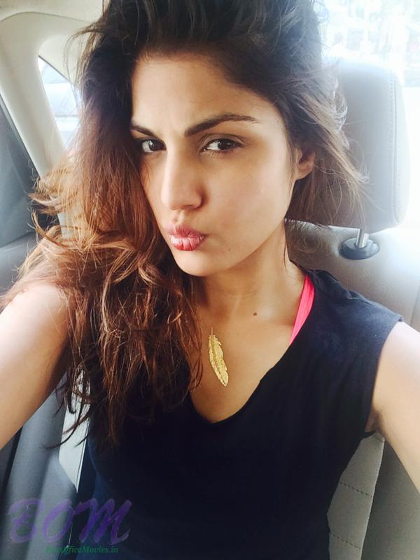 Rhea Chakraborty latest beautiful selfie