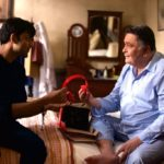 Rishi Kapoor and Anirudh Tanwar in a scena of Rajma Chawal film