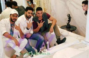 Riteish, Abhishek and Akshay chilling in tub while Jacqueline is surprised