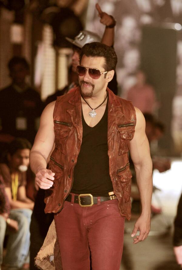 Salman Khan Stylish Avatar for Jumme ki raat hai, chumme ki baat hai