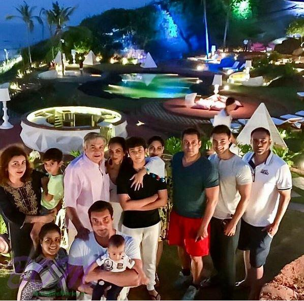 Salman Khan and entire family at W Hotel in Goa in Nov 2016