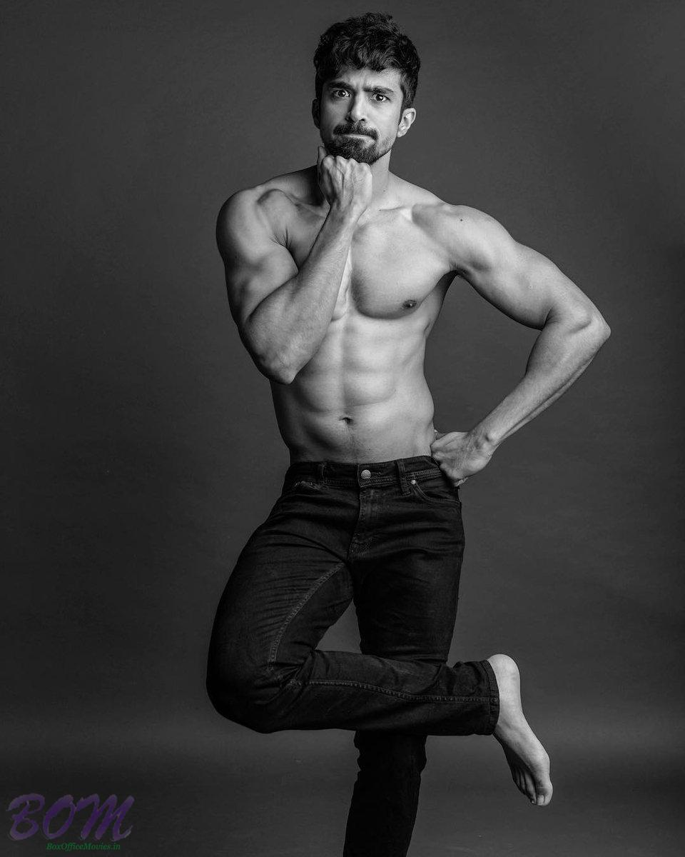Saqib Saleem‏ fit pic