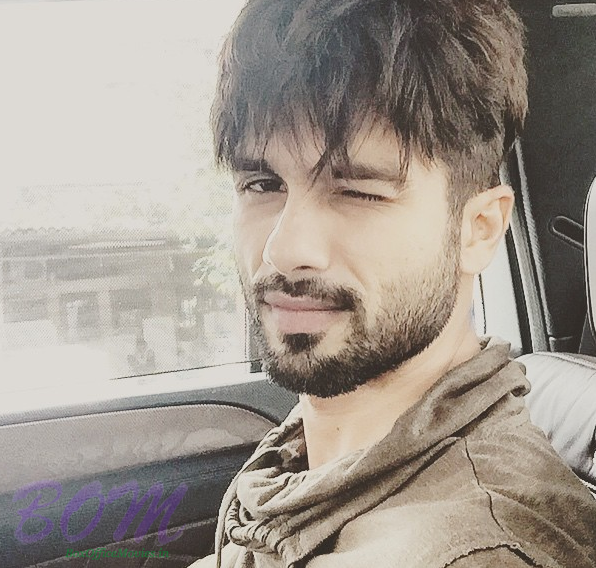 Shahid Kapoor hot selfie will amaze you with his charm