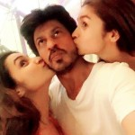 Shahrukh Khan cute kissing selfie with Parineeti Chopra and Alia Bhatt