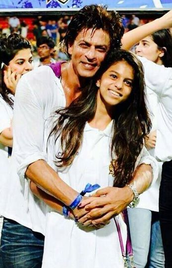 Shahrukh Khan cute picture with daughter Suhana