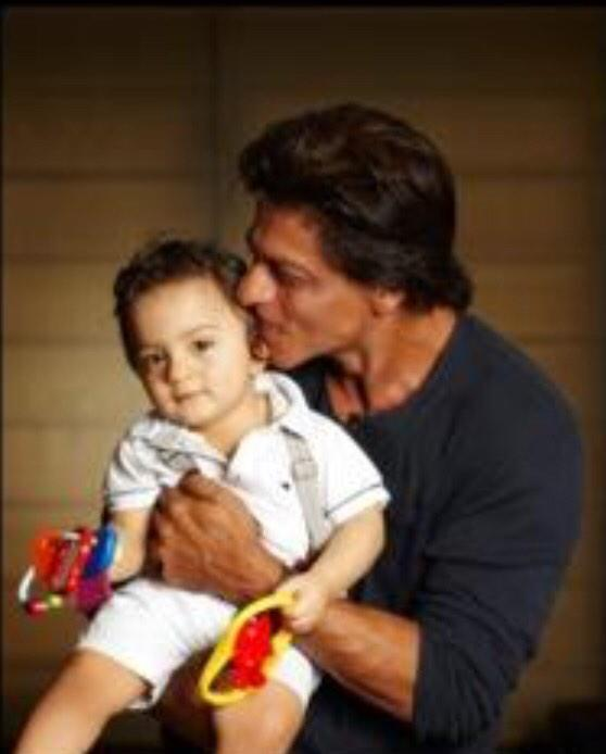 Shahrukh Khan little son AbRam first public with with dad