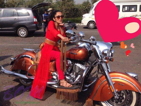 Sheena Chohan on the way to celebrate Valentine Day 2016