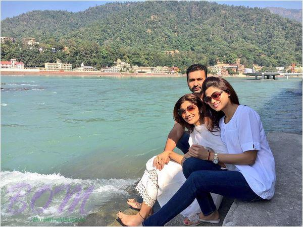 Shilpa Shetty, Shamita Shett and Raj Kundra in Rishikesh