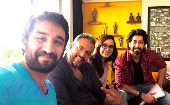 Shraddha Kapoor with Apoorva Lakhia, Siddhanth Kaoor and Ankur Bhatia while shooting for Haseena movie
