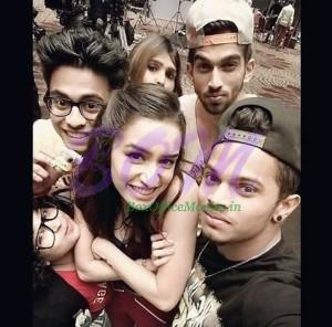 Shraddha Kapoor with Pavan, Chandan & Mohan Pandey on sets of ABCD2