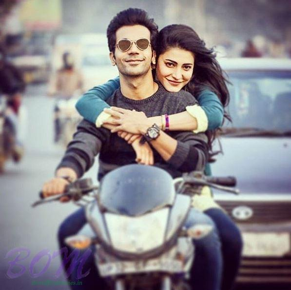 Shruti Haasan biking with Rajkumar Rao on the wrap on Behen Hogi Teri movie shooting as on 23 Jan 2017