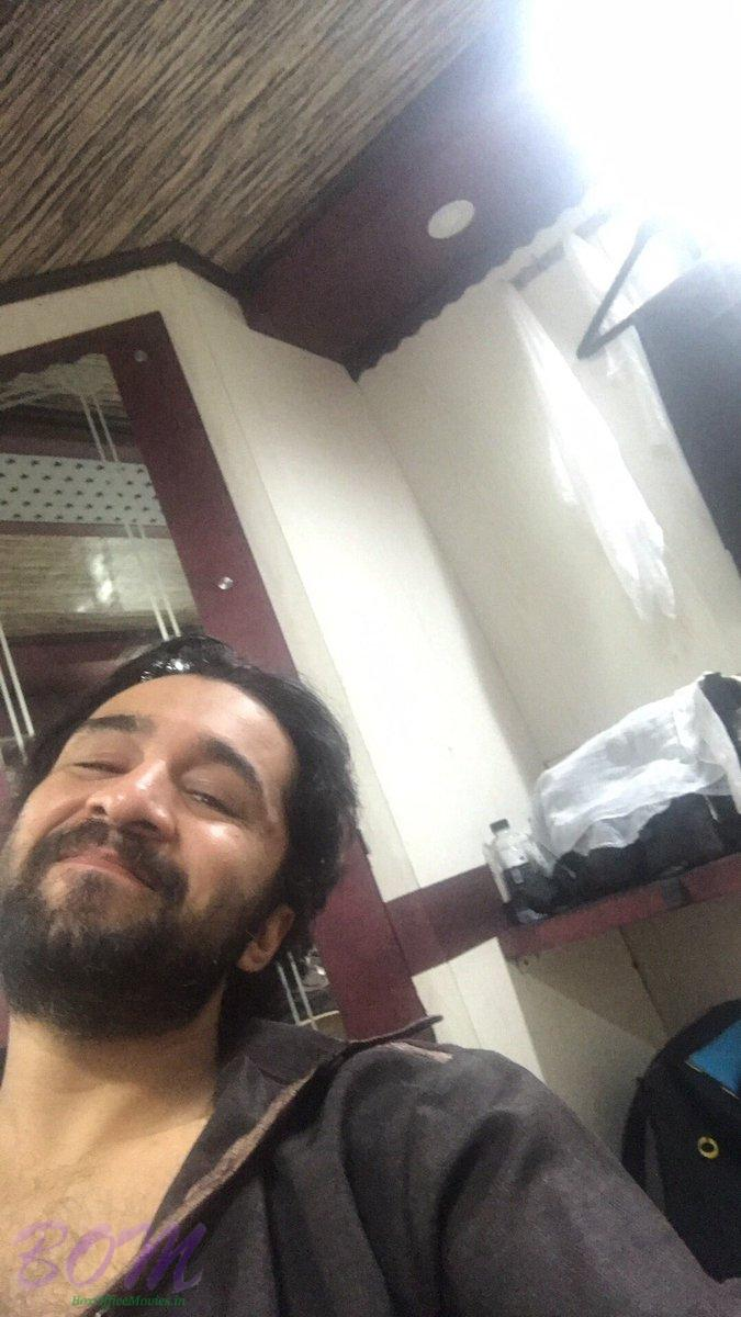 Siddhanth Kapoor‏ selfie on last day of his shooting for HASEENA movie
