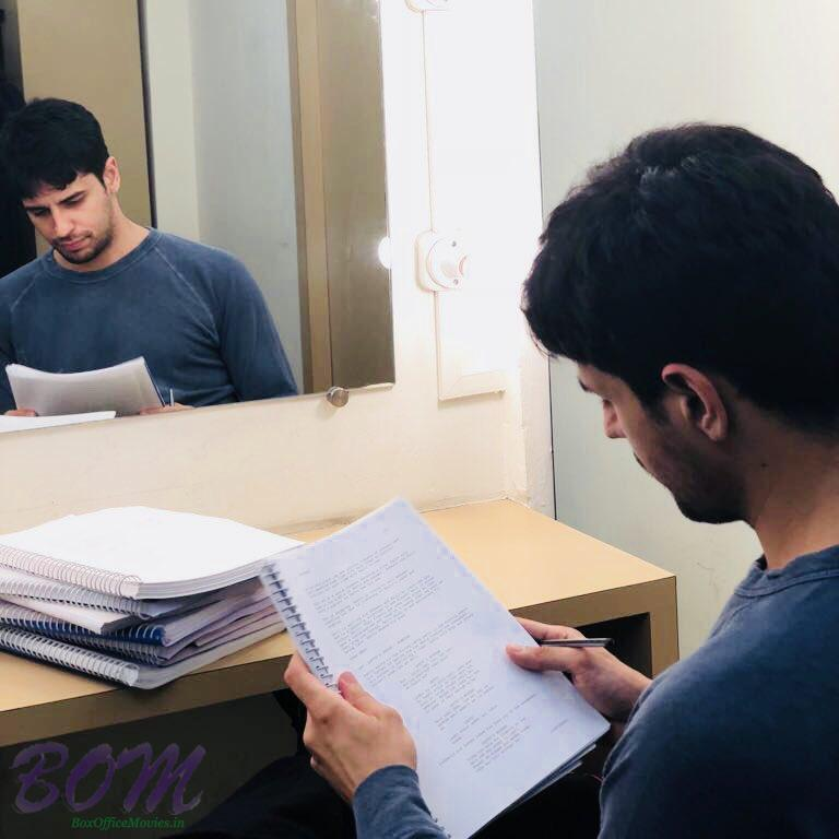 Sidharth Malhotra busy reading scripts of movies in hand