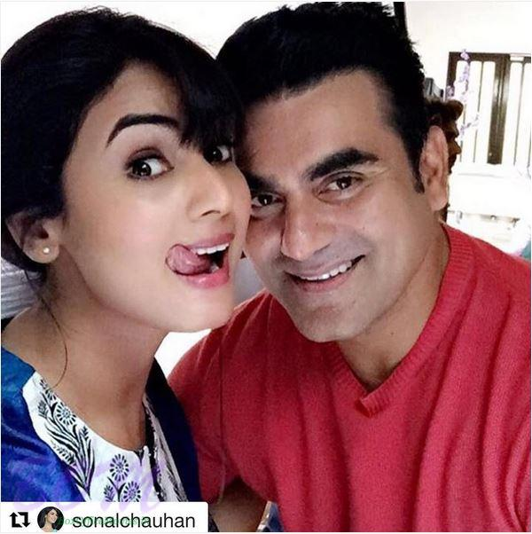 A quirky pic of Sonal Chauhan with Arbaaz Khan