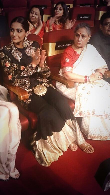Spotted Sonam Kapoor and Jaya Bachchan together at the Vivel Film Fare Awards 2014
