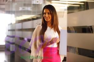 Sunny Leone corporate look in Beiimaan Love