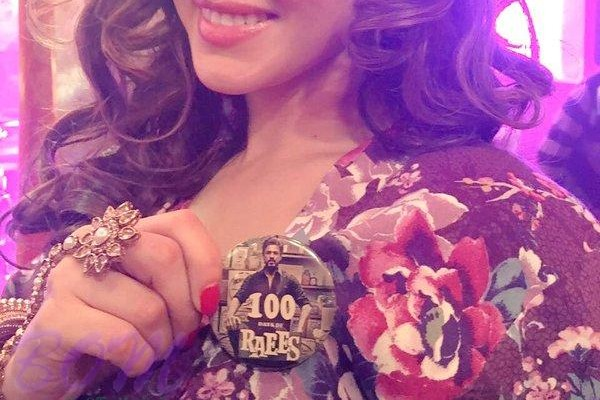 Sunny Leone is now part of 100th day of Raees with SRK and Rahul Dholakia