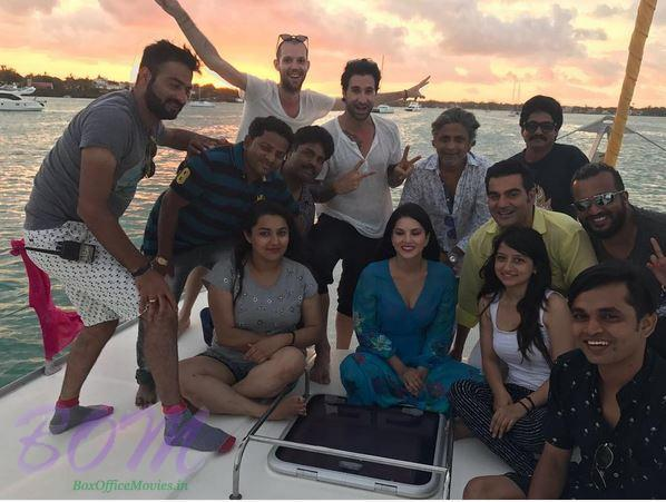 Sunny Leone with Arbaaz Khan and other team members of movie Tera Intezaar