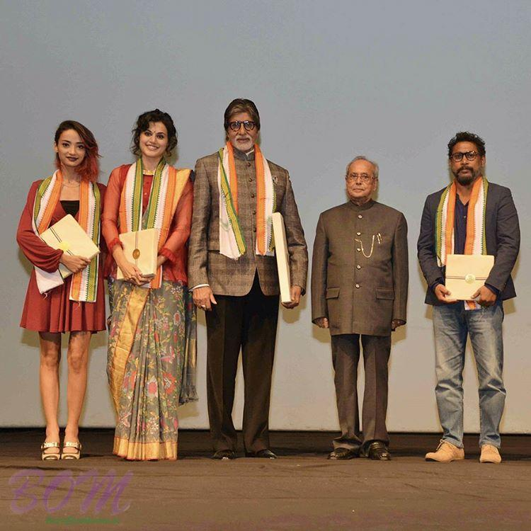 Taapsee Pannu and Amitabh Bachchan receiving award for PINK by Honourable President of India in 2017