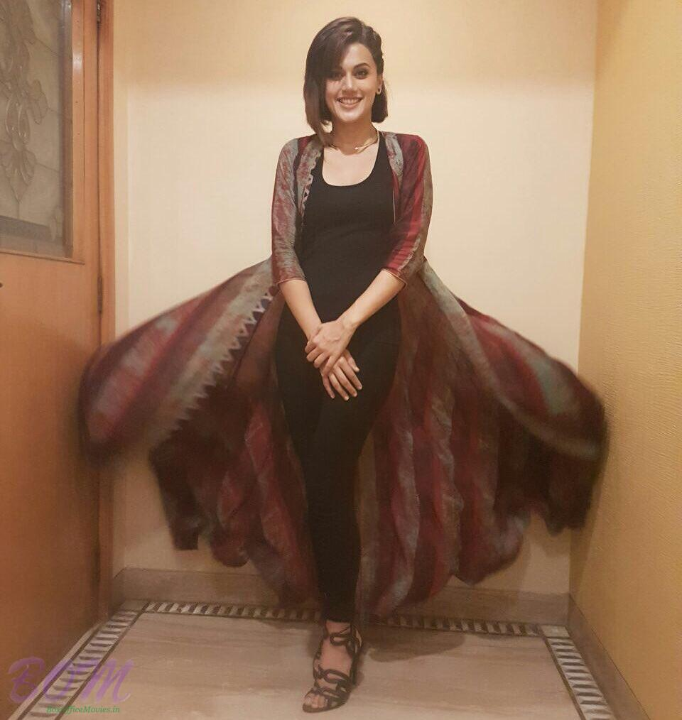 Taapsee Pannu looks gorgeous in this simple outfit