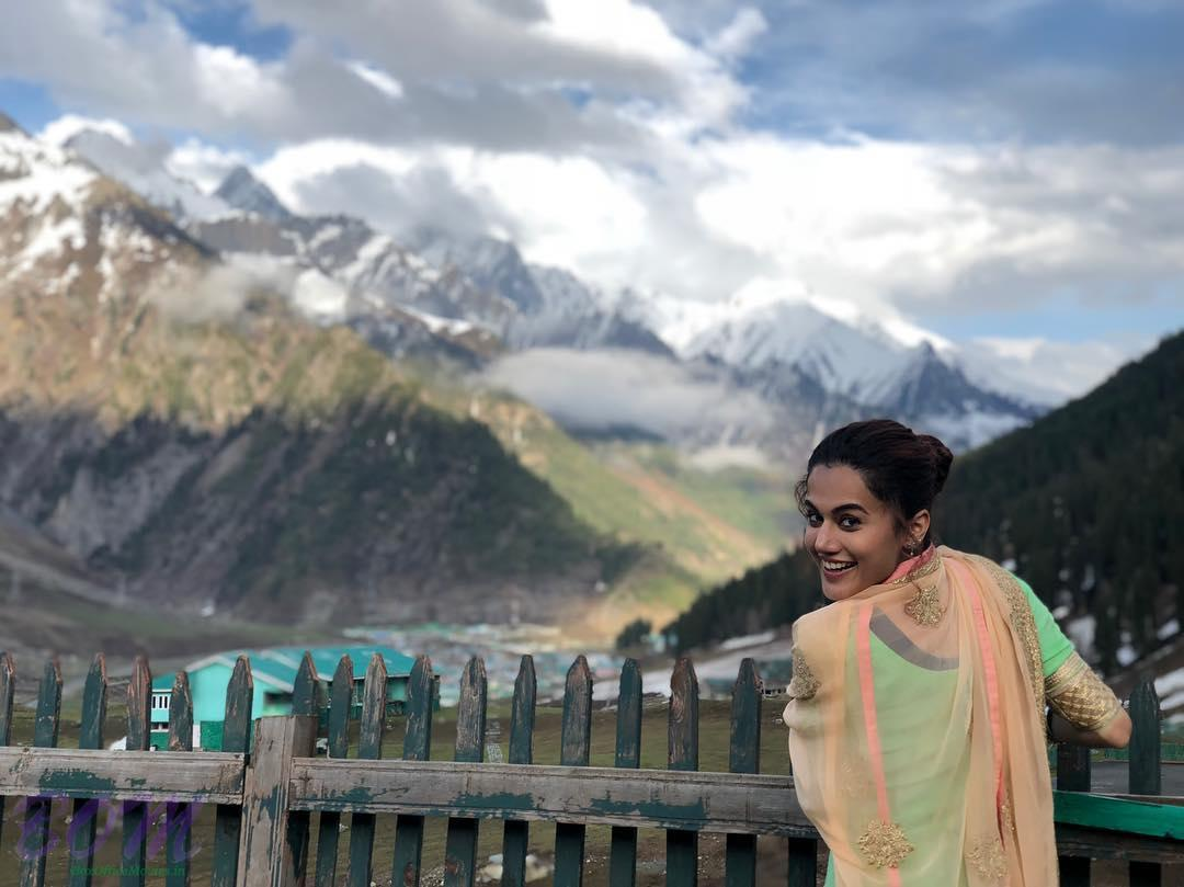 Taapsee Pannu pic from Kashmir while shooting for Mannmarziyaan movie