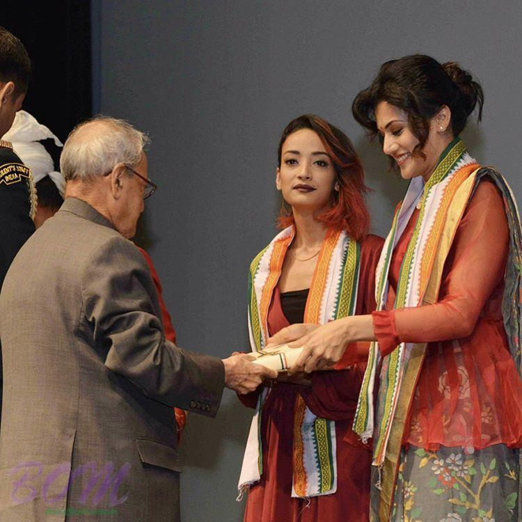 Taapsee Pannu receiving award for PINK by Honourable President of India in 2017