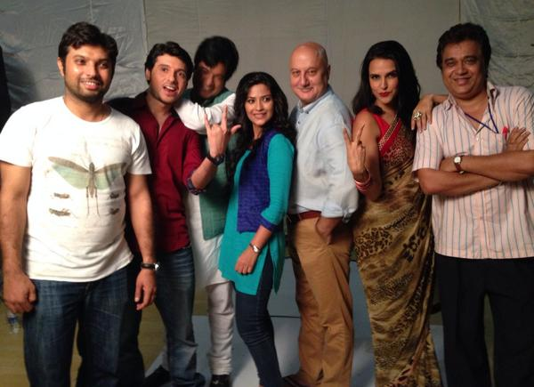 Team picture of upcoming movie Ekkees Topon Ki Salaami
