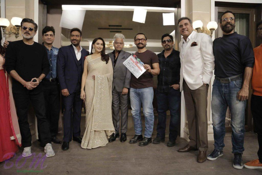 Total Dhamaal mahurat shot pic with the team