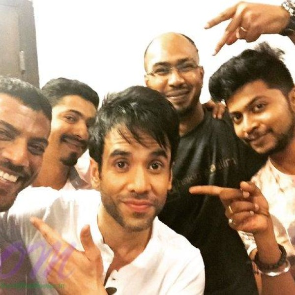 Tusshar ‏Kapoor with his crew members on 12 Apr2016