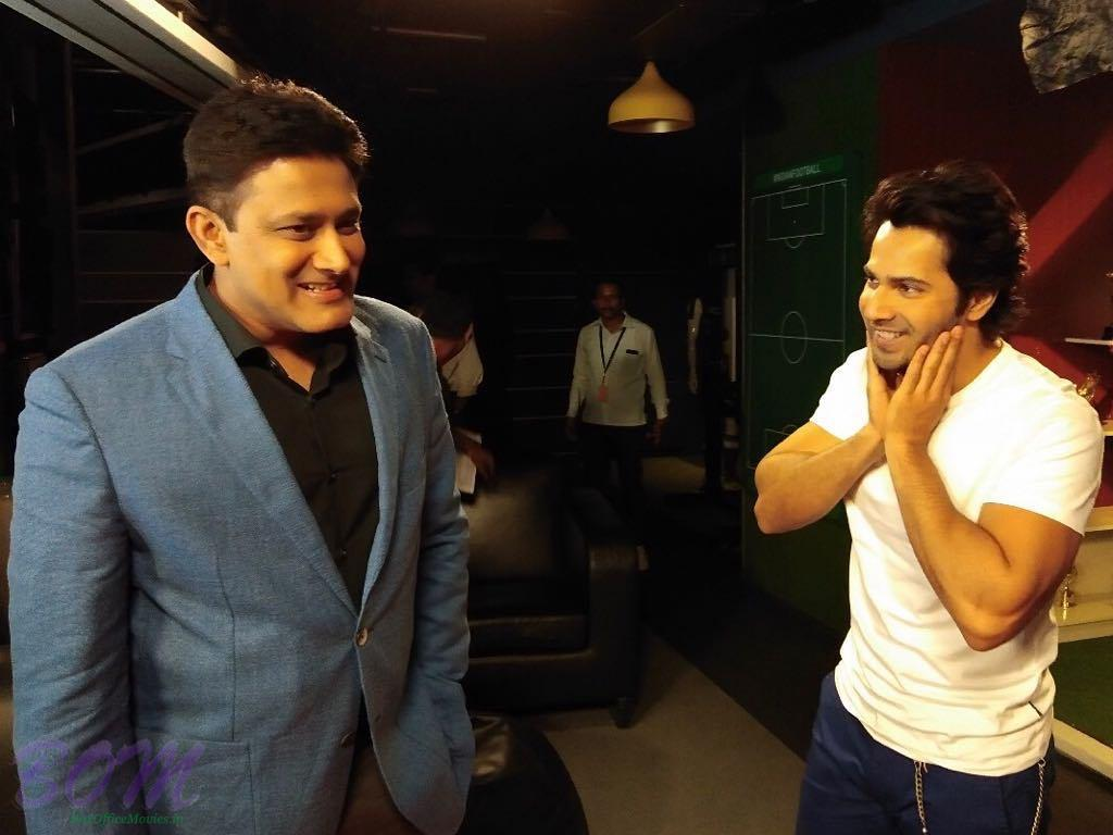 Varun Dhawan Fanboy Moment With Cricketer Anil Kumble Pics