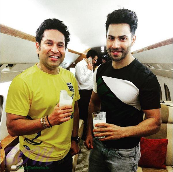Varun Dhawan happy meeting with Sachin Tendulkar