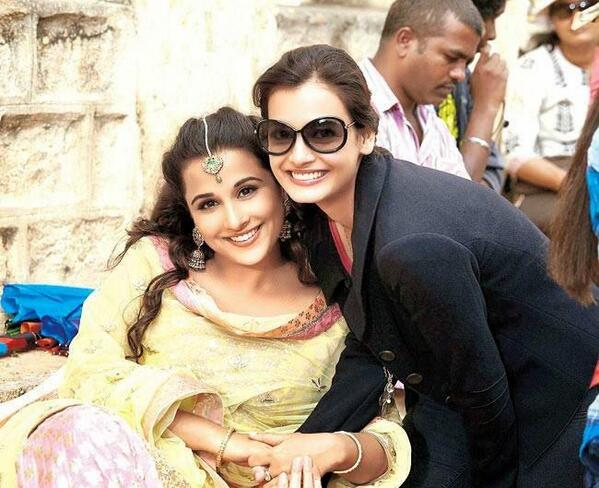 Vidya Balan & Dia Mirza on the sets of Bobby Jasoos.
