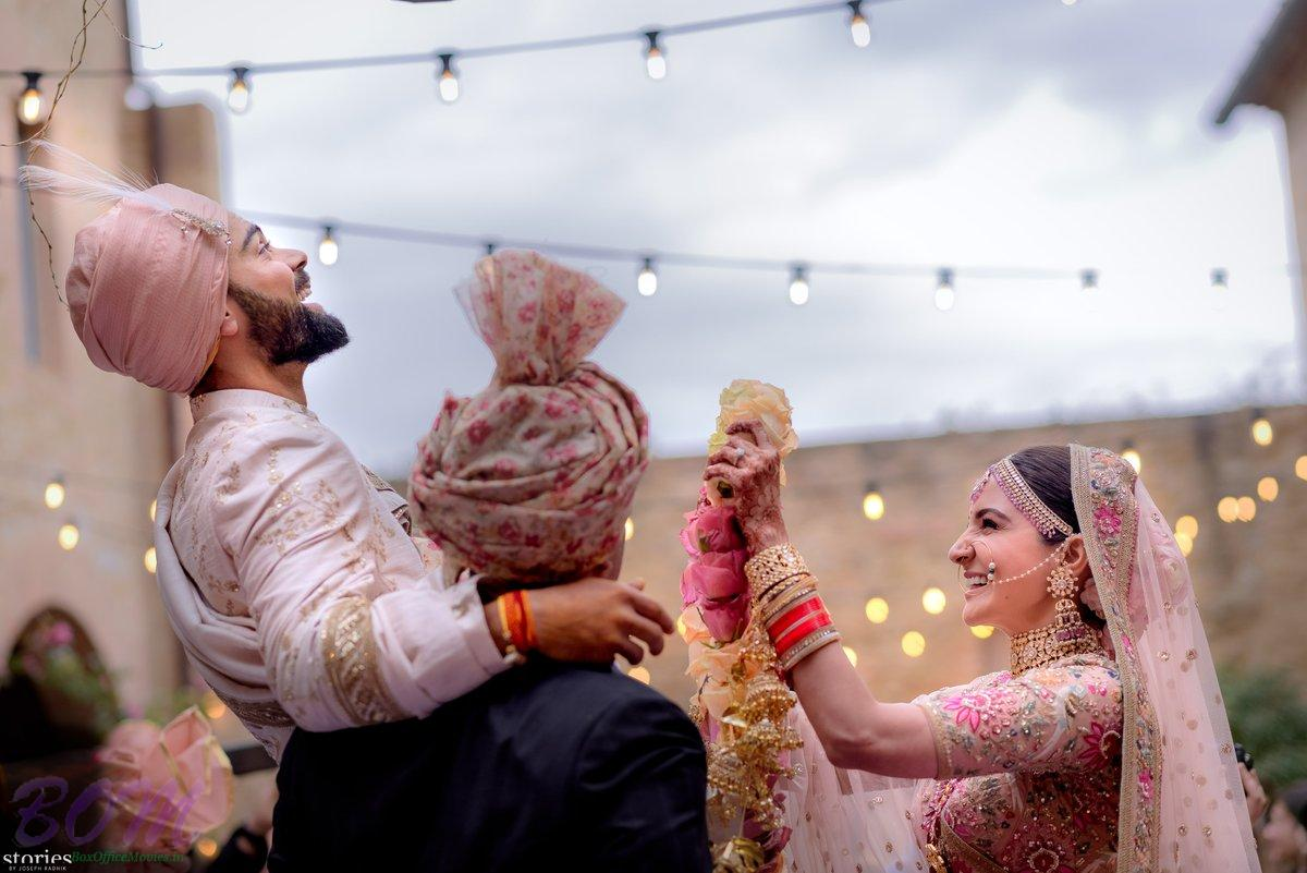 Virat Kohli‏ shared this cute pic on marrying with Anushka Sharma