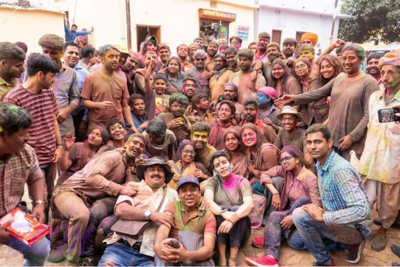Vishal Bhardwaj with Sunil Grover and other on wrapping the shooting of Pataakha